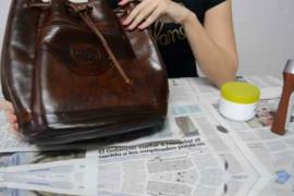 Consigli utili per pulire le borse in base al loro materiale
