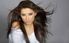 Caduta dei capelli: attenzione allo styling eccessivo