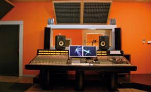 La produzione e distribuzione dei videoclip musicali è cambiata con social network, dalla casa di produzione Concertone soluzioni al passo coi tempi