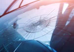 Come comportarsi quando si deve sostituire il parabrezza della propria automobile